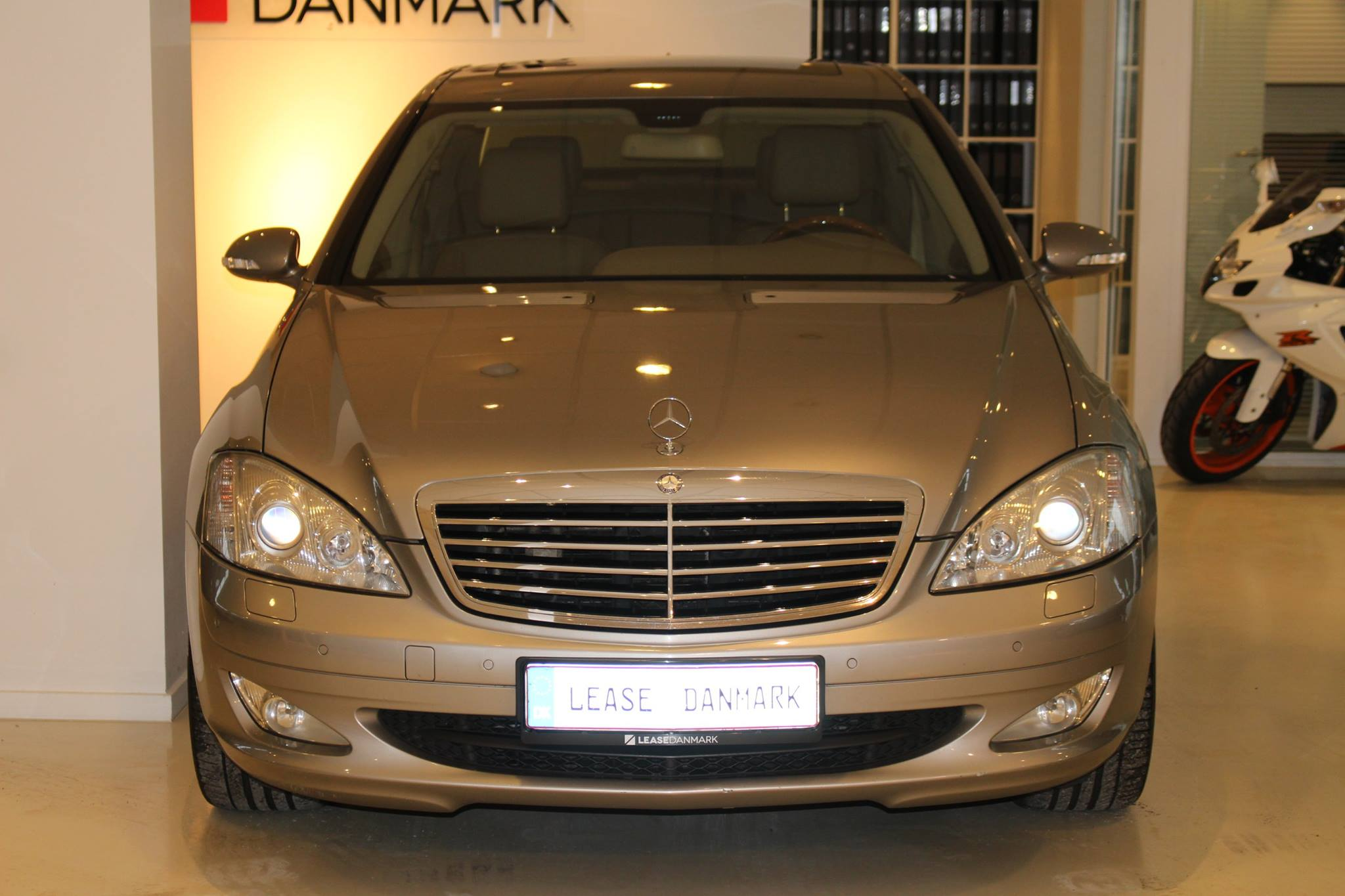 Mercedes benz s320 cdi lease danmark for Mercedes benz leasing company address
